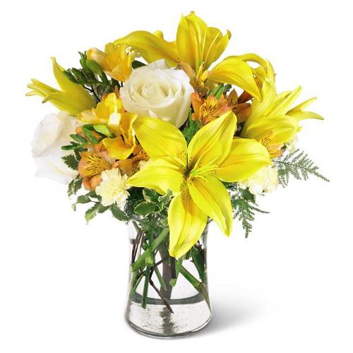 Color-Coordinated Yellow and White Bouquet