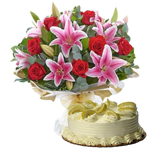Delectable Pursuit of Happiness Gift of Bouquet N Cake