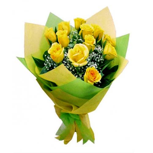 Bright Sensation Bundle of 12 Yellow Roses