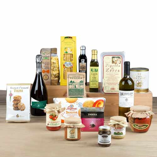 Distinctive Festive Gift Hamper and Wine