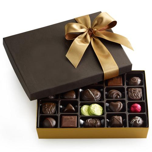 Christmas Treat with Chocoviar Chocolate Box