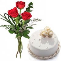 Delightful Red Rose Romance Cake